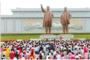 김일성 일가 신격화와 북한의 3대 세습독재